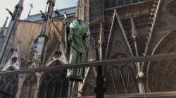 Statues being removed from Notre Dame prior to fire, in Circumplector